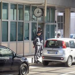 La Svizzera accelera  Via la mascherina  nei luoghi di lavoro