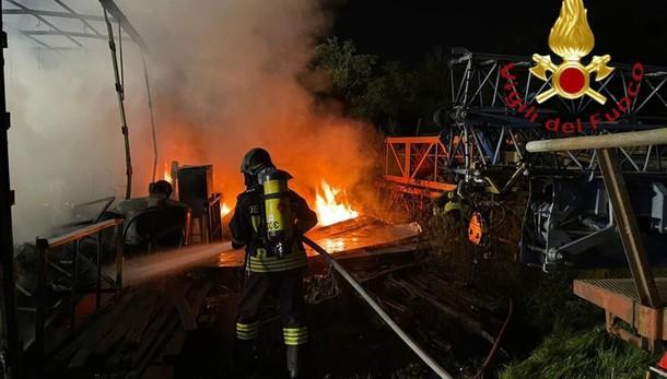 Mariano, scoppia un incendio  in un'azienda agricola