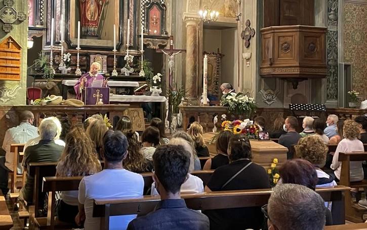 Oggi i funerali a Bizzarone  «Ciao Marco, il nostro sogno è con te»