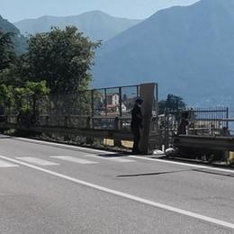 Travolta da una moto  mentre sta attraversando  Ferita giovane canoista
