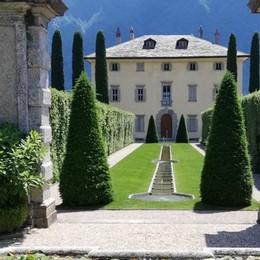 Tremezzina e vip  Andrea Bocelli  canta per gli sposi