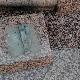 Via una Madonna in bronzo  I furti nei cimiteri non si fermano