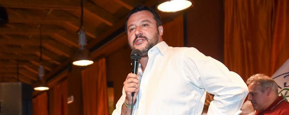 Violentata a 90 anni  nella Bassa Comasca:  ora è un caso politico