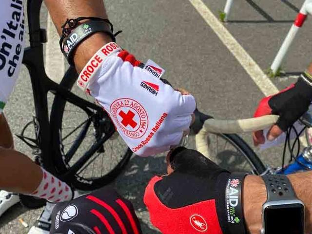 """Il bracciale salvavita AIDme in bici con Croce Rossa: Pedaliamo per portare speranza e solidarietà"""""""