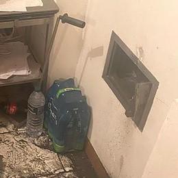 Albese, banda smura la cassaforte di casa  La vittima: «Li sentivo, è stato terribile»
