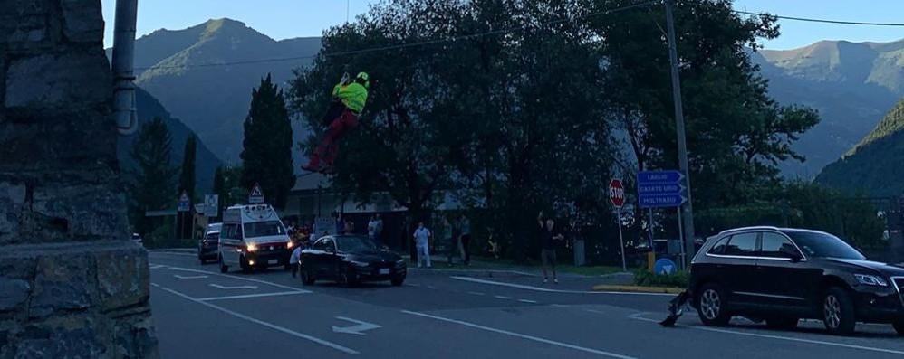 Laglio, scontro auto moto  Un ferito grave sulla  Regina