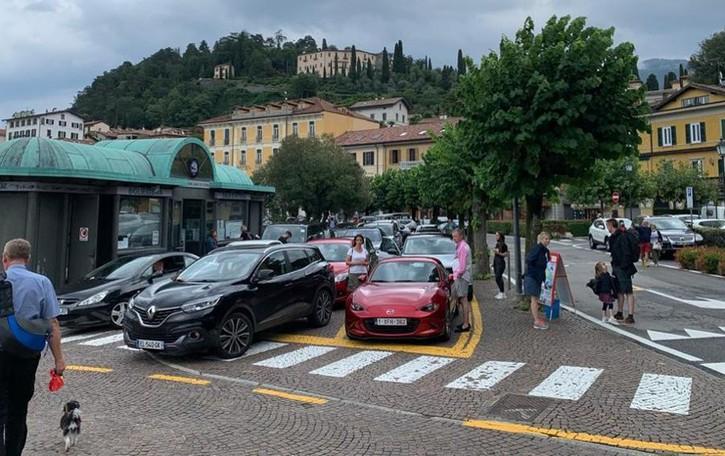 Paura per le frane sul lago  Turisti stranieri in fuga da Bellagio