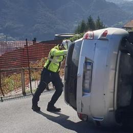 Garzola, si ribalta con l'auto Pensionato in ospedale