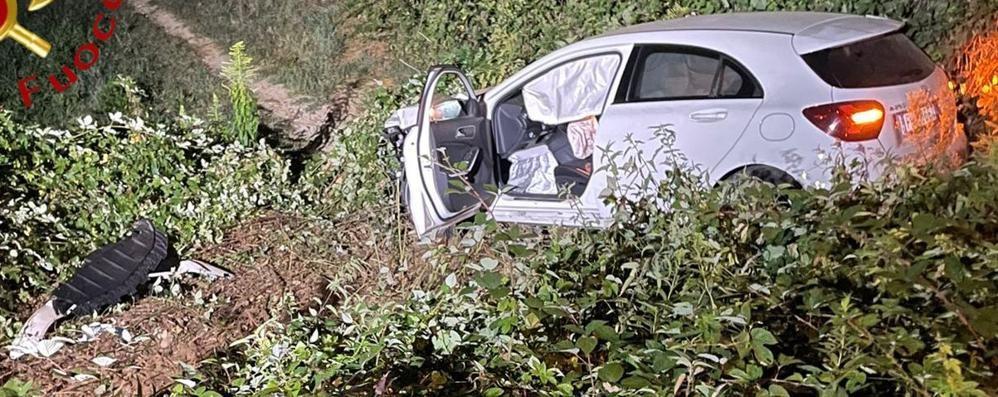 Con l'auto fuori strada  Mobilitazione a Cadorago