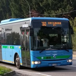 Appello della mamma di uno studente  «Basta ritardi, prendiamo il bus privato»