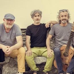 """""""Lario express tour"""": amici e canzoni in giro per il lago"""
