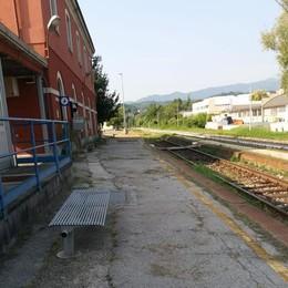Como-Lecco, ci risiamo  Pochi treni e tanti ritardi