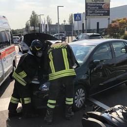 Luisago, auto contro scooter  Un giovane in ospedale